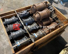 Hitachi EX120, 200 Rollers